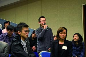 Alfred Wong Yam-hong challenges the views of Louis Shih Tai-cho in a seminar